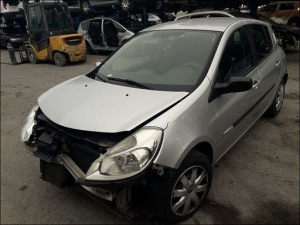 RENAULT CLIO III 1.5 DCI 70 RIP CURL