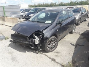 Voiture accidentée : FIAT PUNTO