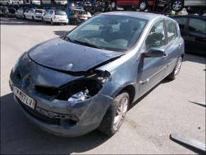 RENAULT CLIO III 1.5 DCI 85 CH