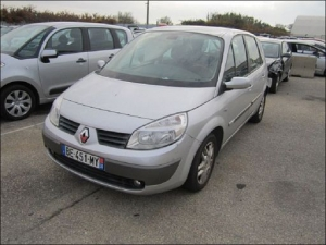 RENAULT SCENIC 1.5 DCI 104 CH