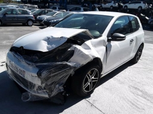 Voiture accidentée : VOLKSWAGEN GOLF